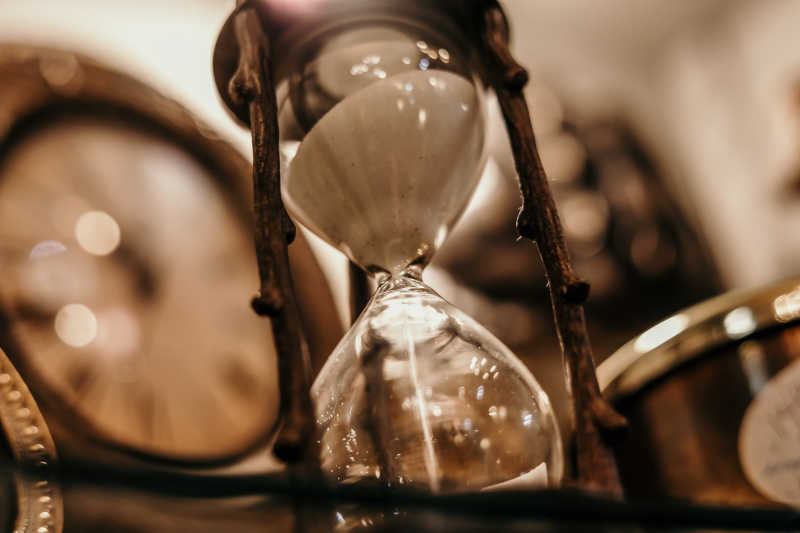Time Distortion Hypnosis hourglass