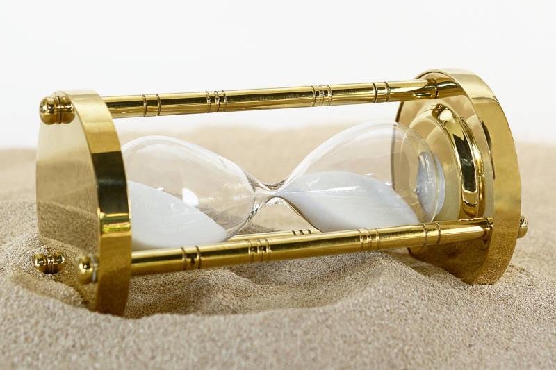How long do lucid dreams last hourglass on sand
